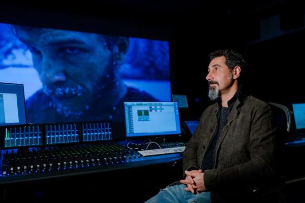 """Серж Танкян рассказал журналистам о работе над музыкой к фильму """"Легенда о Коловрате"""""""