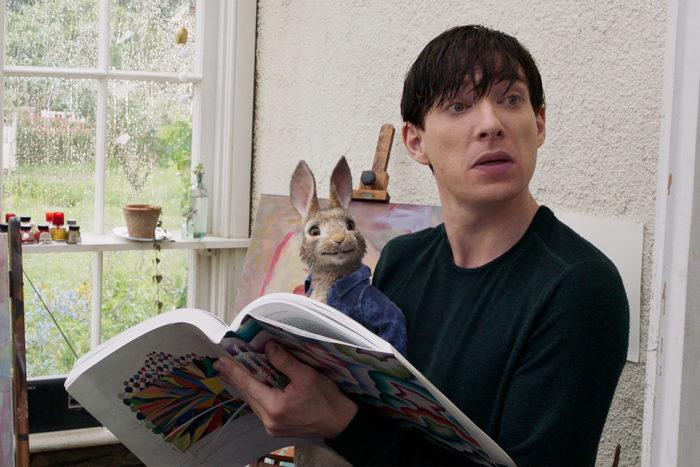 Донал Глисон избил невидимого кролика