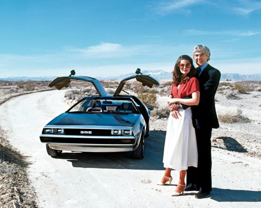 Джон ДеЛориан с супругой Кристиной Ферраре и DeLorean DMC-12