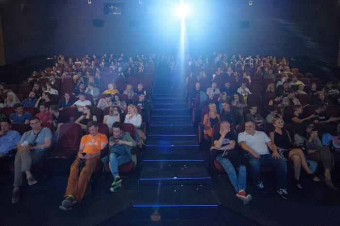 Зрители Санкт-Петербургского кинотеатра «Пик» эвакуированы из-за возгорания в торговом комплексе