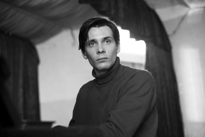 Опубликованы первые кадры из фильма «Француз»