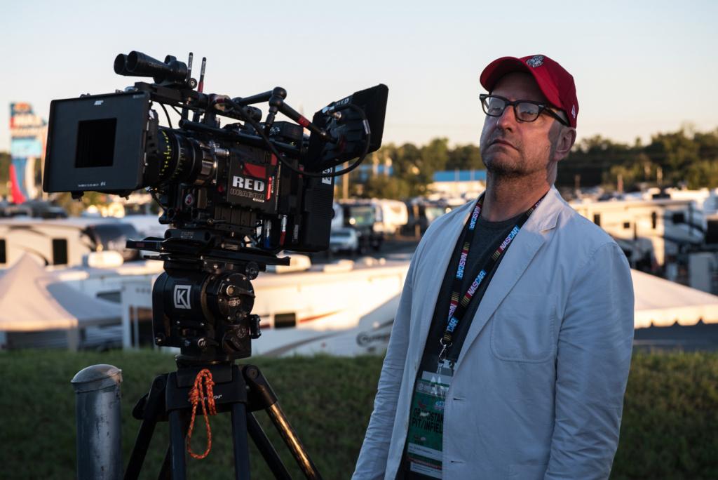 Стивен Содерберг на съемках фильма «Удача Логана»