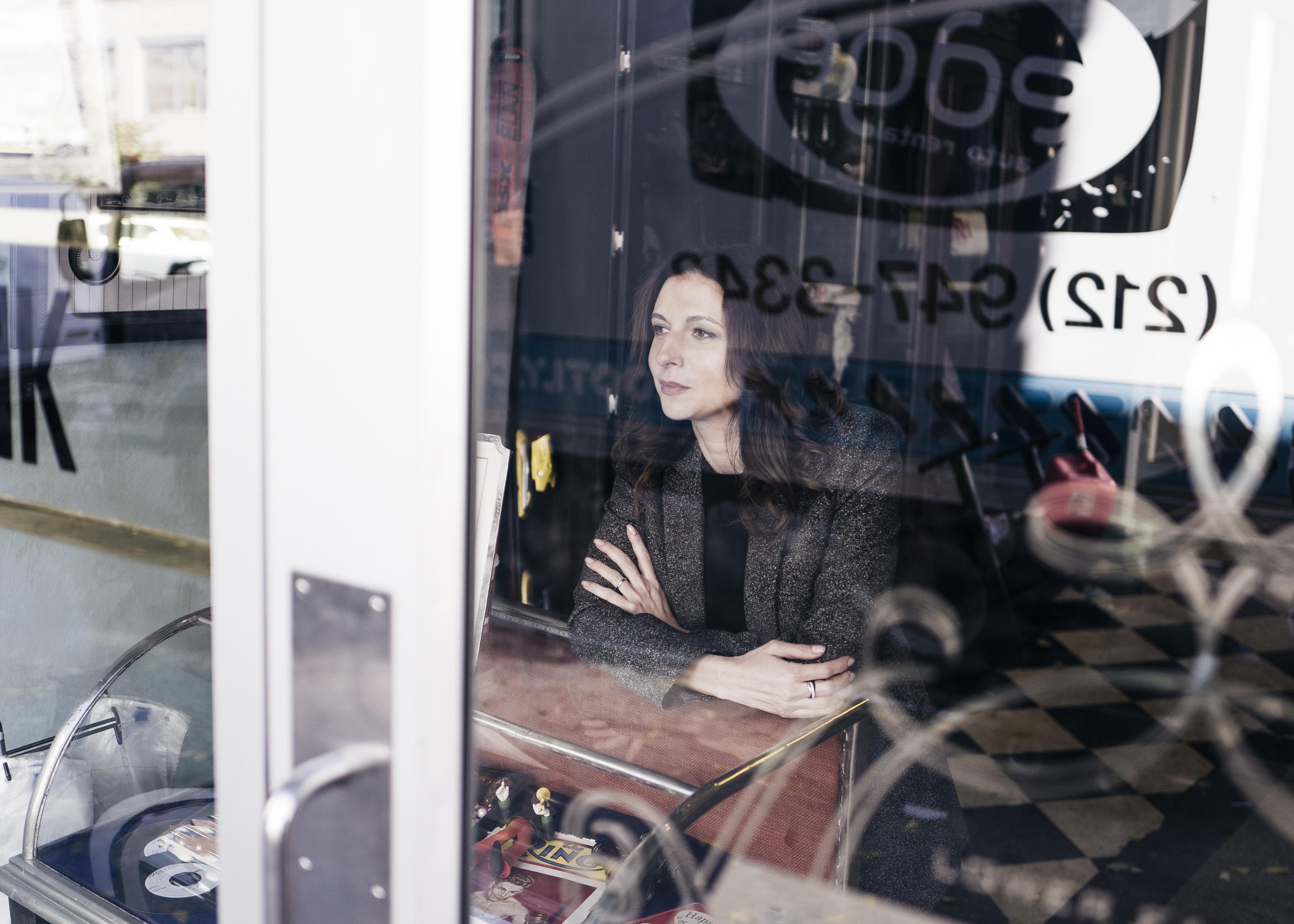 Режиссерский дебют Алисы Хазановой
