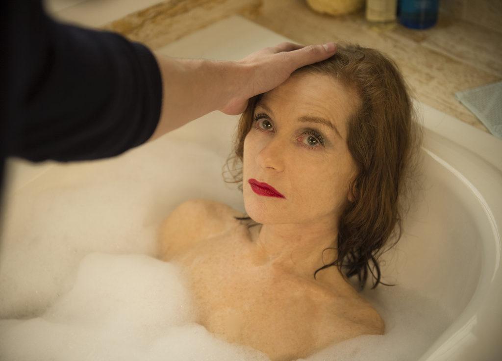 В 64 года Изабель Юппер продолжает сниматься в эротике