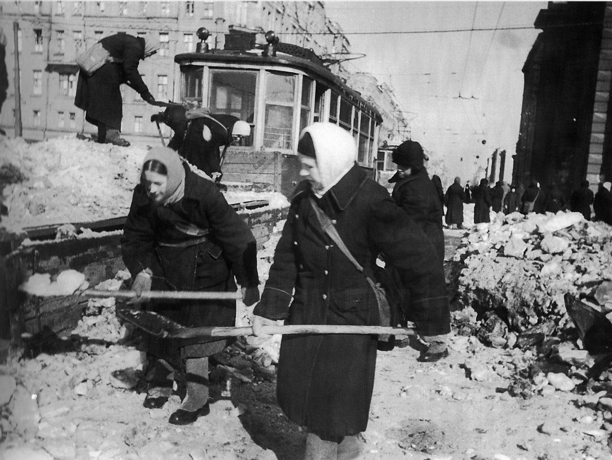 Блокадный Ленинград (архивная фотография)