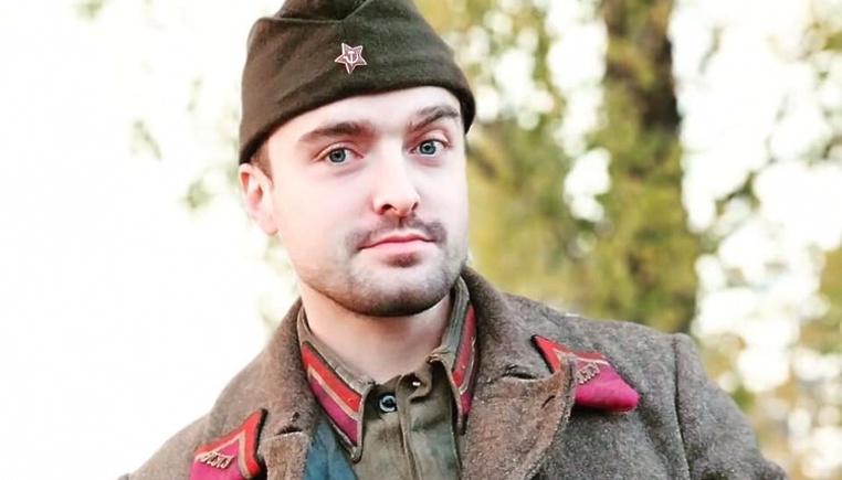 Олег Шелкин в форме курсанта подольского артиллерийского училища