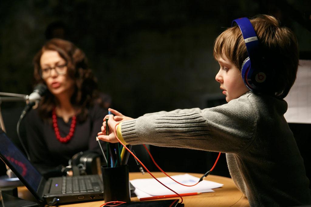 Журналист Михаил Довженко выпускает художественный фильм «Короткие волны»