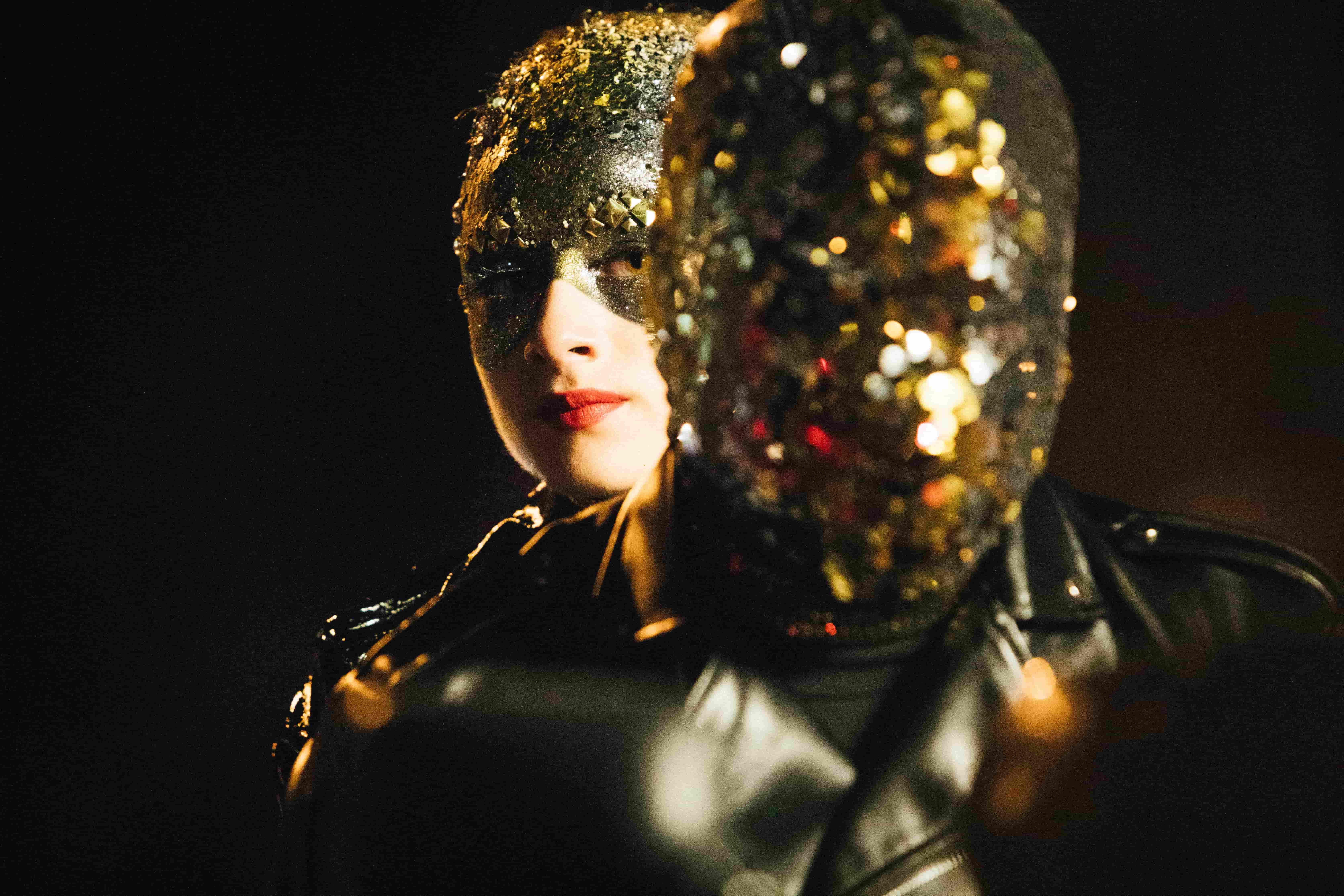 Кадр из фильма Vox Lux