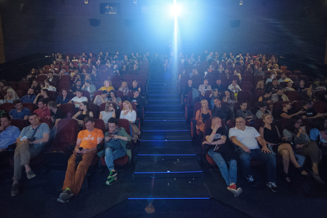 Фотография с премьерного показа фильма «22 мили» (кинотеатр «Пик», 23 августа 2018 года. Автор снимка – Валентин Беликов)