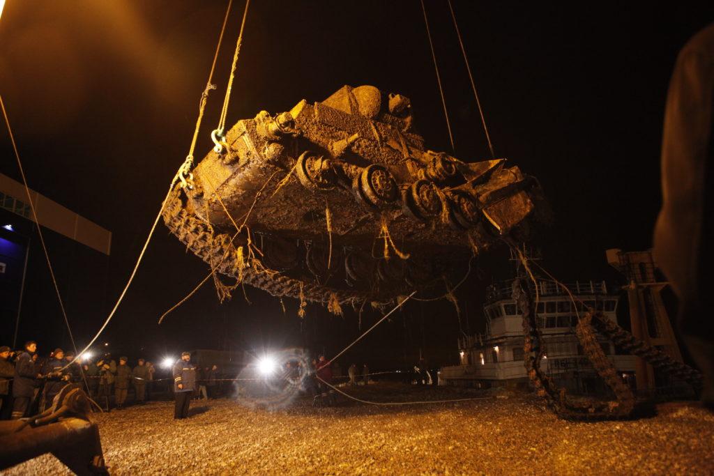 Ко Дню Победы в YouTube выйдет фильм о подъёме танка КВ-1 со дна Невы