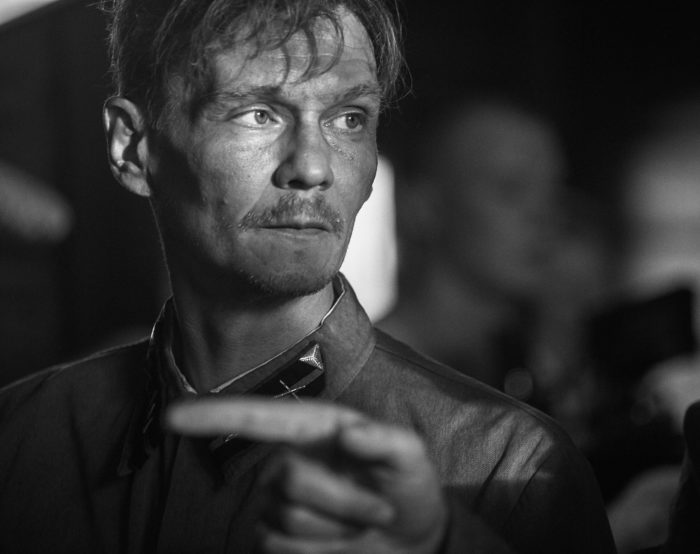 Фотография со съемок фильма «Сто минут Ивана Денисовича» (снимок предоставлен кинокомпанией «Вера», фотограф Михаил Рыжов)
