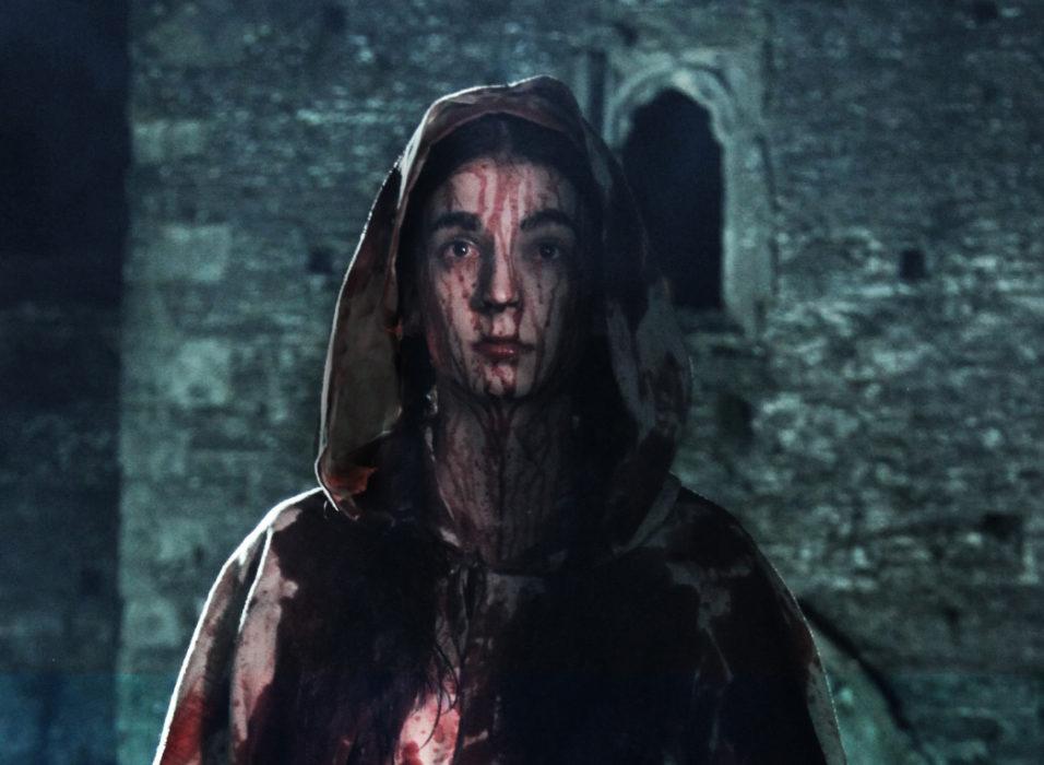 Кадр из фильма «Присягнувшая тьме»