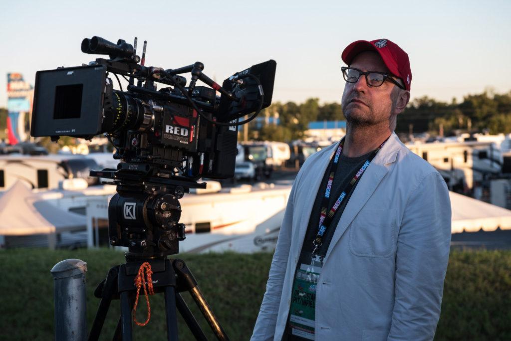 Режиссер «11 друзей Оушена» согласился создавать кино для мобильных телефонов