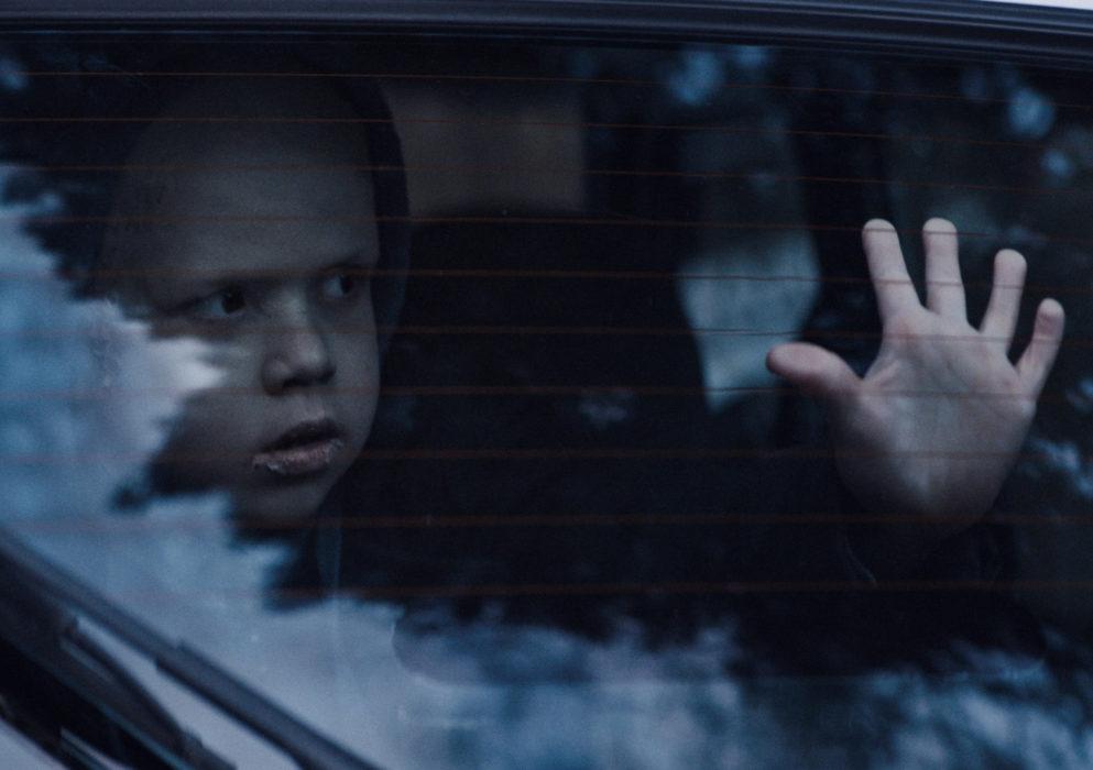 Кадр из фильма «Тварь»