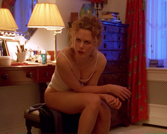 Кадр из фильма «С широко закрытыми глазами»