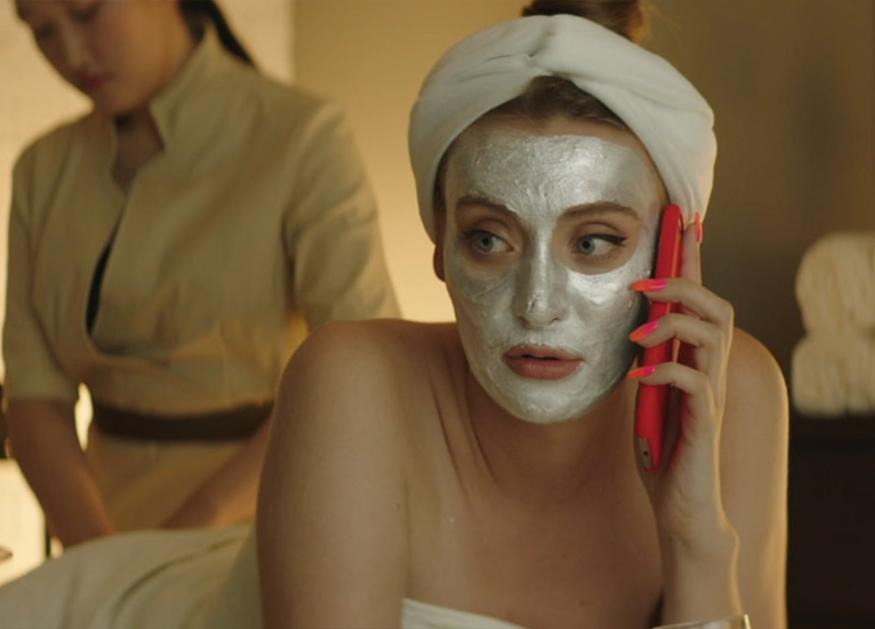 Вульгарная комедия о недалеких девушках: «Марафон желаний»