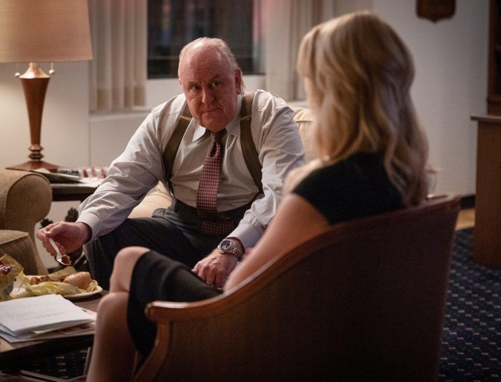 А он тебя целует, говорит, что… уволит: женско-политическая драма «Скандал»