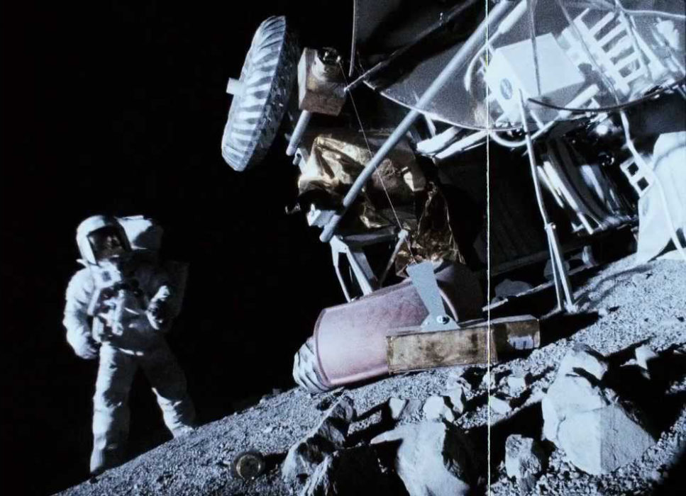 Кадр из фильма «Аполлон 18»