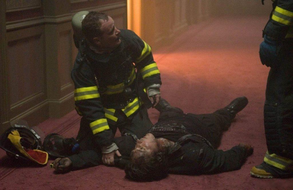 Актёр Джон Кьюсак подвергся нападению полиции. Ему брызнули в лицо перцовым аэрозолем и ударили дубинкой