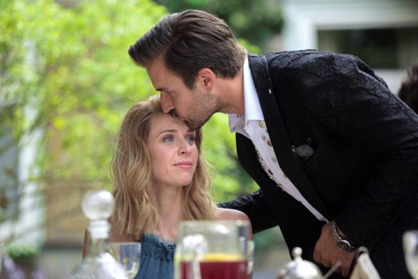 Кадр из фильма «Притворись моим женихом»
