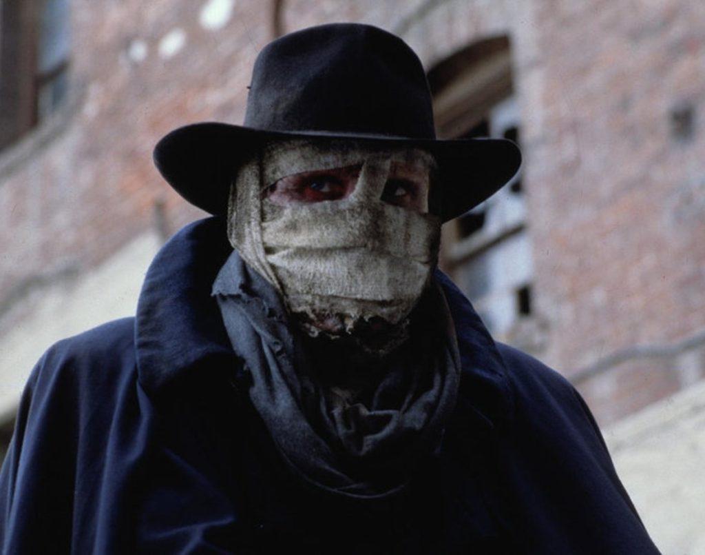 Знаменитый «Человек тьмы» Сэма Рэйми отмечает 30-летие