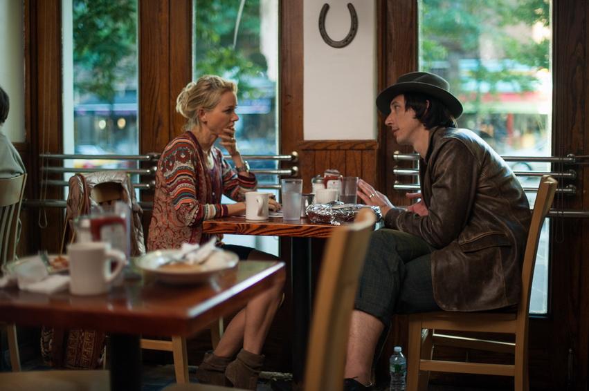 Кадр из фильма «Пока мы молоды»