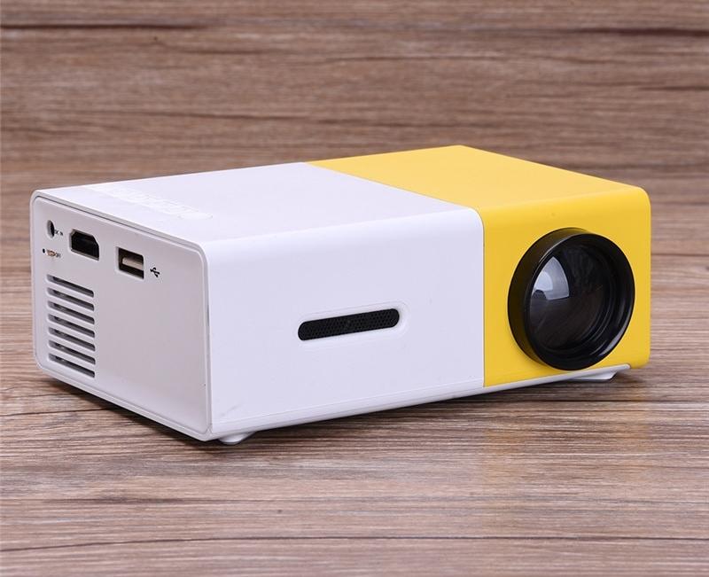 Крохотный проектор за 2500 рублей