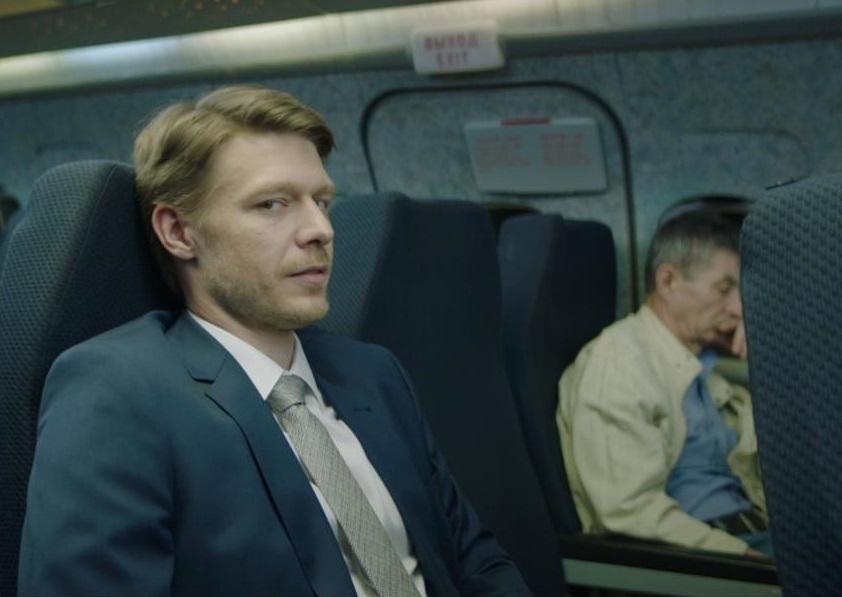 Сегодня на «ТНТ» стартует сериал «Полёт» с Михаилом и Никитой Ефремовыми в главных ролях