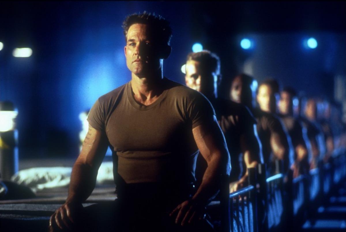 Кадр из фильма «Солдат»