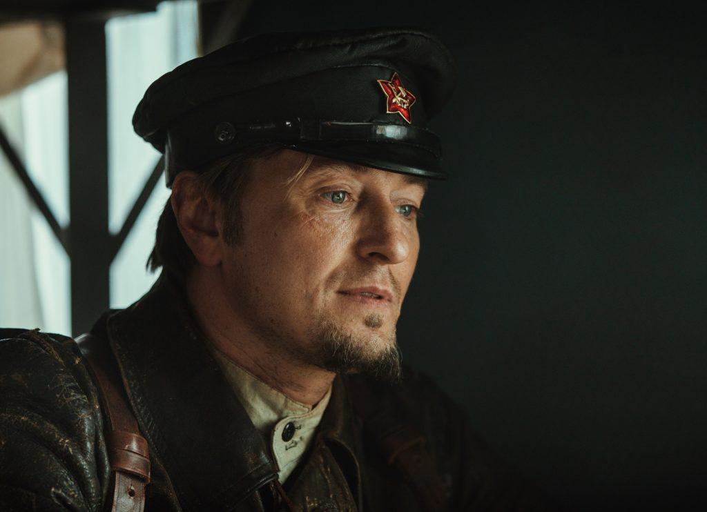 Джек Воробей и Шерлок Холмс в исполнении Саши Белого: вышел трейлер «Бендер: Начало»