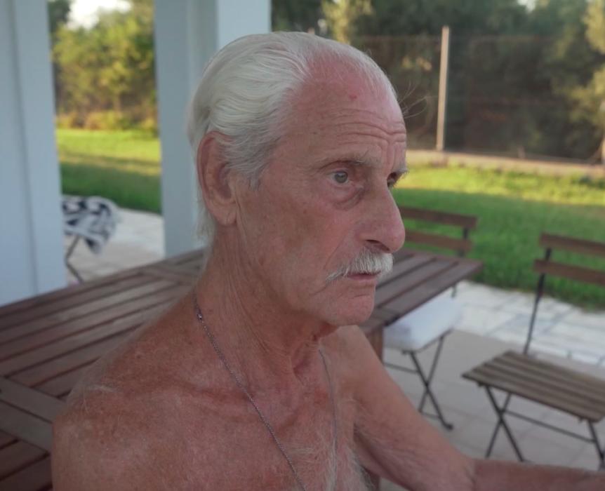 Кадр из фильма «Папа»
