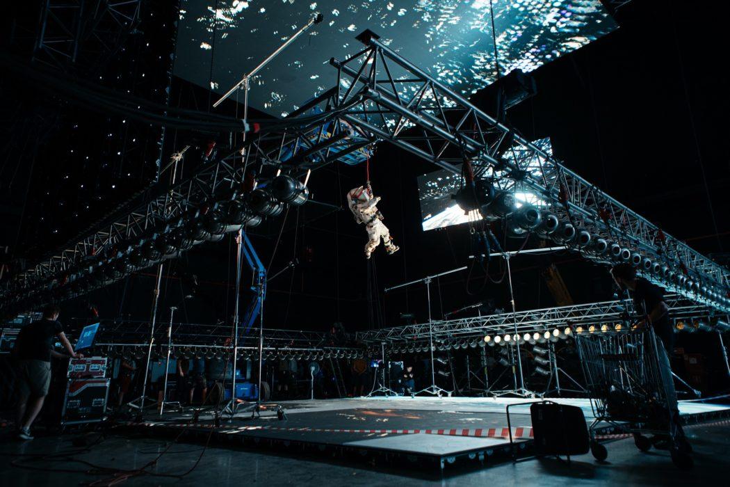 Фотография со съёмок фильма «Свободное падение»