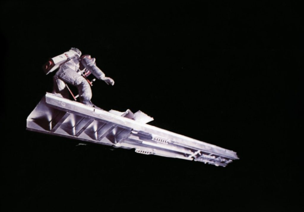 Режиссёр Клим Шипенко считает, что фильм, снятый в космосе, может окупиться