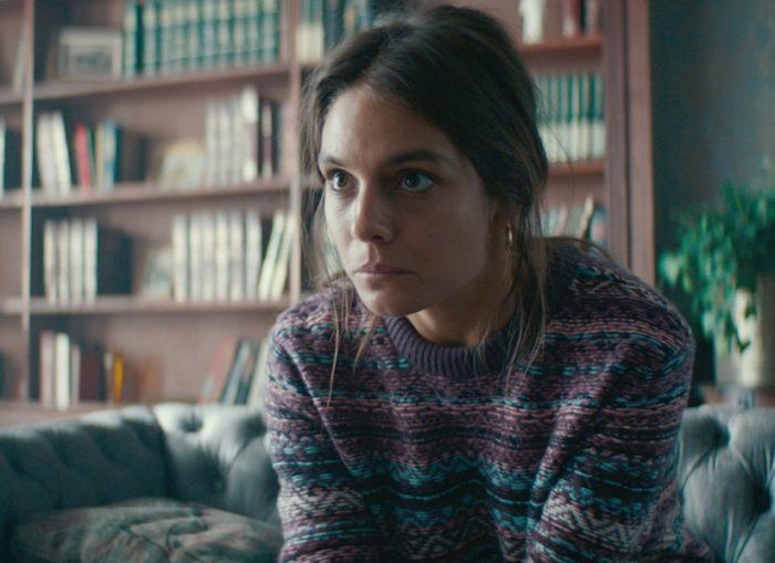 Кадр из фильма Laura Hasn't Slept